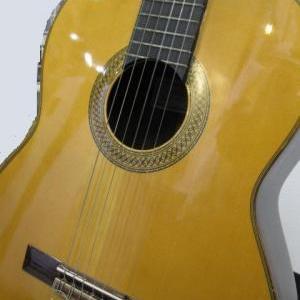 ギターのご紹介!