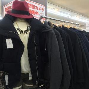 冬物衣料服飾増加中!