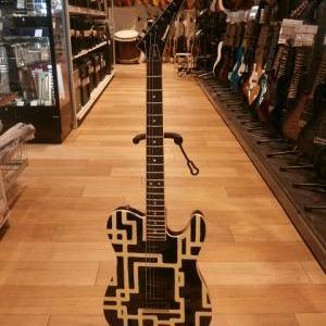 レアなギターも!